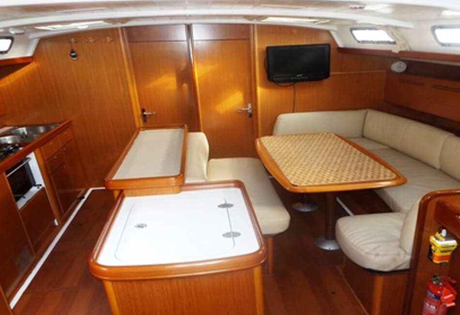 54.6 Ft Beneteau Cyclades 50.5 Sailboat MB-2009